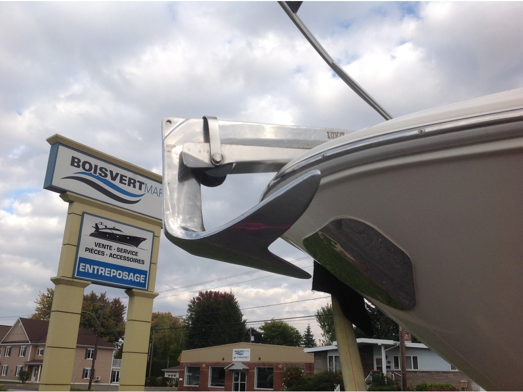 2005 Larson boat for sale, model of the boat is Cabrio 274 & Image # 4 of 18