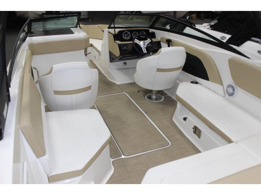 2018 Sea Ray boat for sale, model of the boat is Spx 230 & Image # 4 of 8