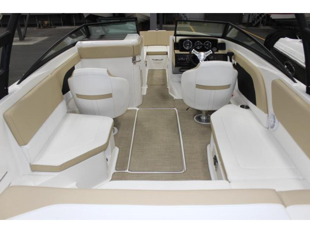 2018 Sea Ray boat for sale, model of the boat is Spx 230 & Image # 3 of 8
