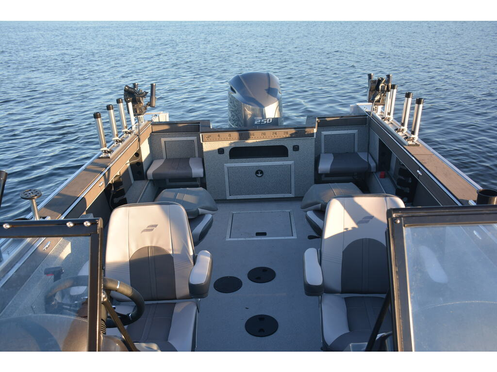 2021 Starcraft boat for sale, model of the boat is Fishmaster 210 & Image # 4 of 9