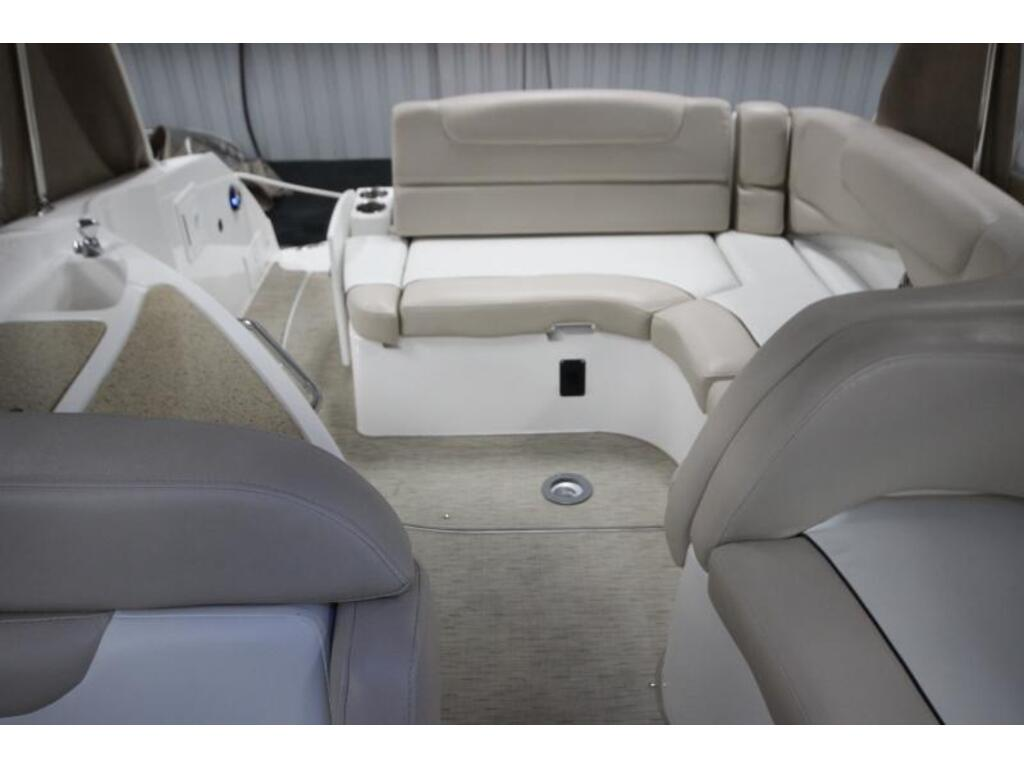 2013 Rinker boat for sale, model of the boat is 290 & Image # 4 of 7