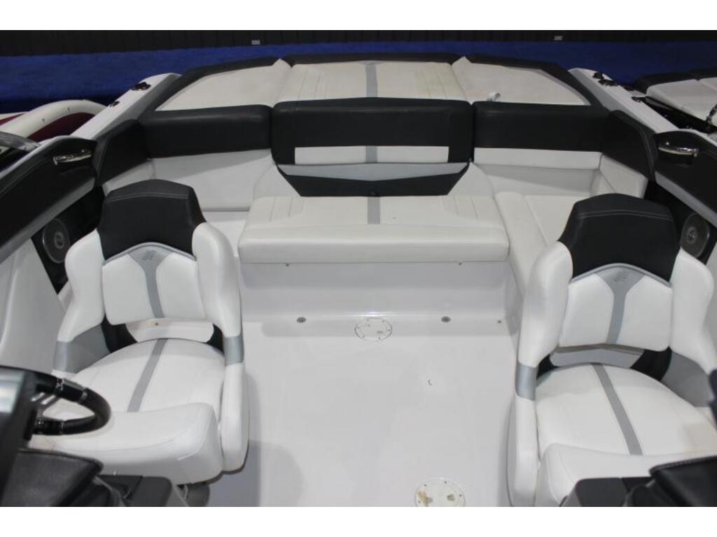 2013 Four Winns boat for sale, model of the boat is 235 & Image # 6 of 7