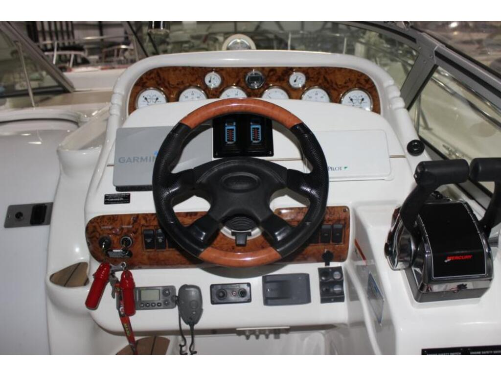 2004 Larson boat for sale, model of the boat is 310 Cabrio & Image # 4 of 6
