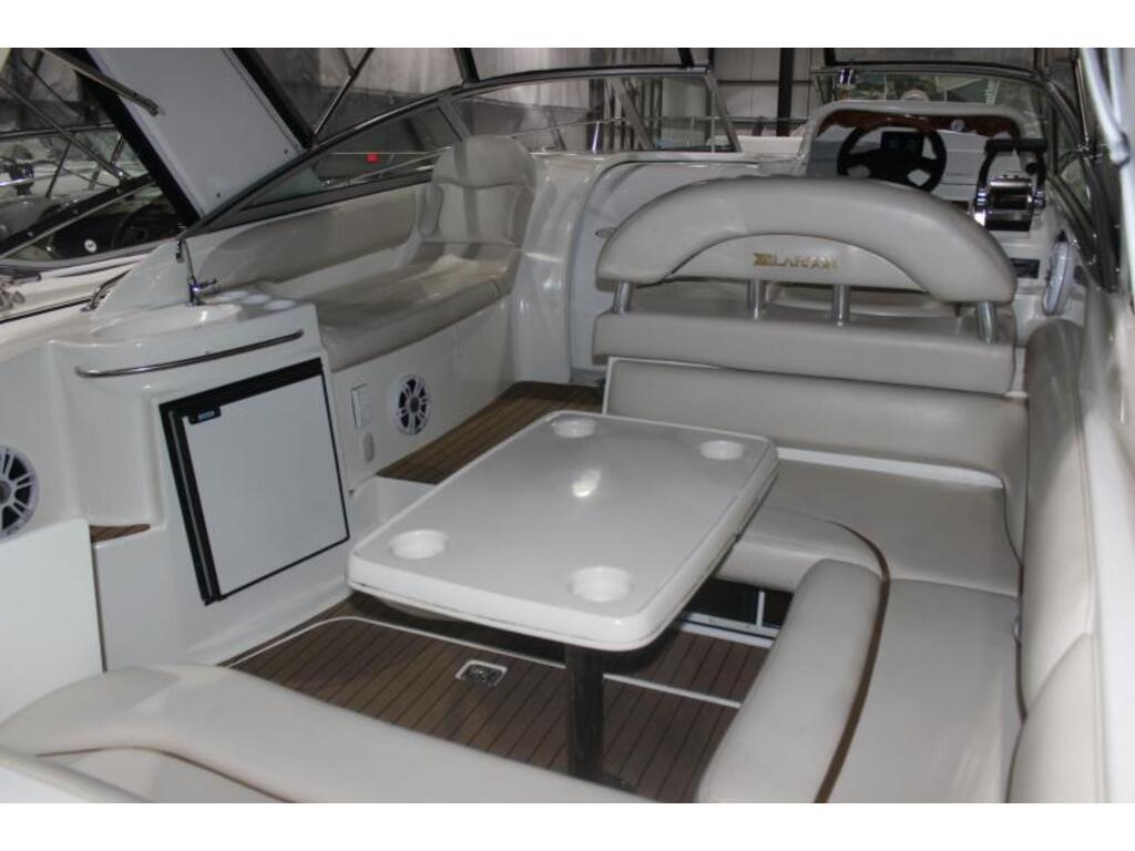 2004 Larson boat for sale, model of the boat is 310 Cabrio & Image # 3 of 6