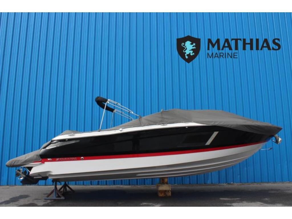 2016 Four Winns boat for sale, model of the boat is Horizon 290 & Image # 1 of 9