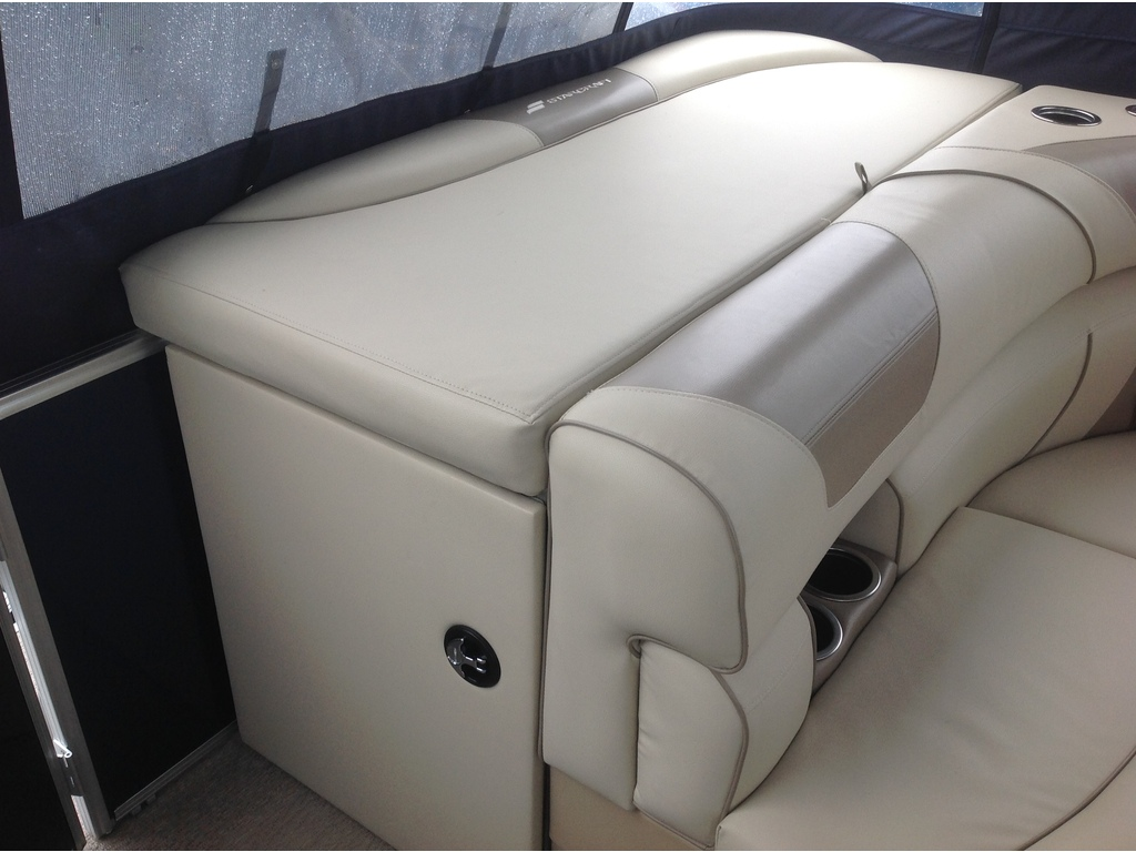 2018 Starcraft boat for sale, model of the boat is Ponton Ex 20c & Image # 11 of 18