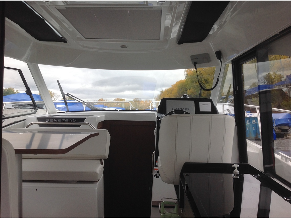 2021 Beneteau boat for sale, model of the boat is Antares 27 & Image # 11 of 16