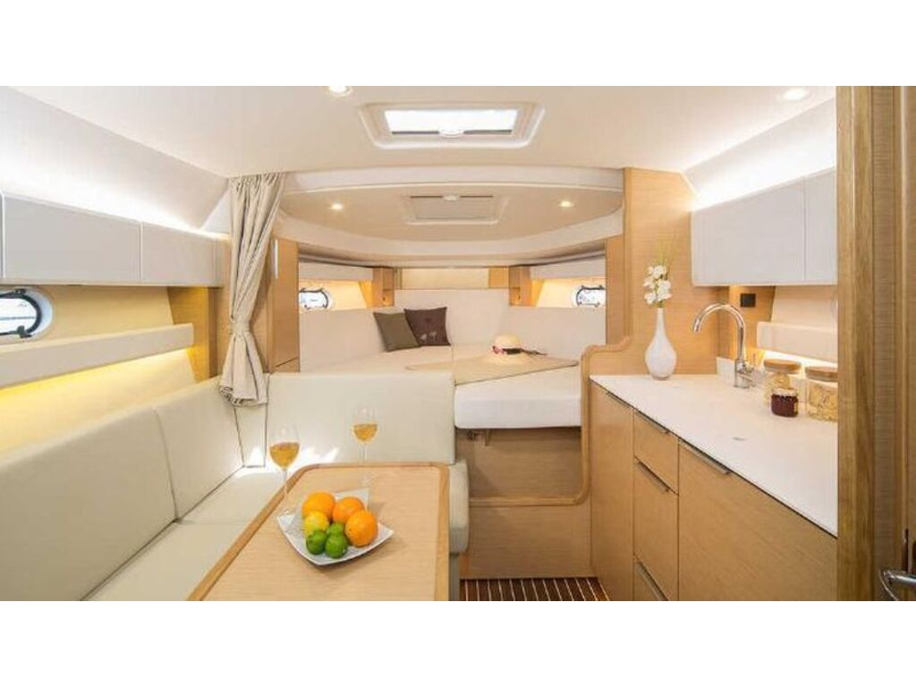 2021 Bavaria boat for sale, model of the boat is S33 Ht Volvo D3-220 Evc & Image # 5 of 7