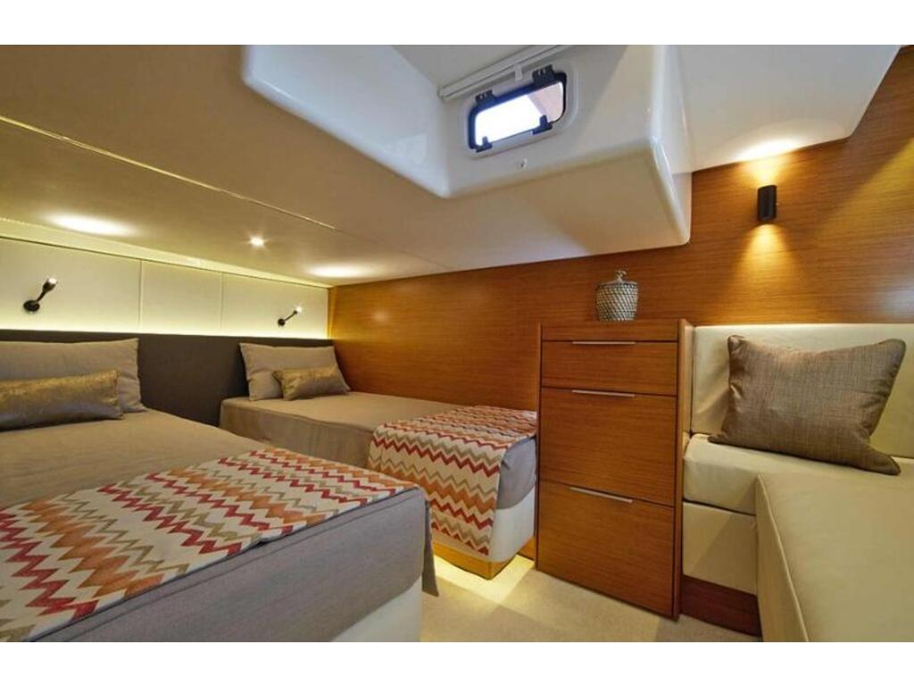 2021 Bavaria boat for sale, model of the boat is S40 Coupe D6 370 Evc Volvo & Image # 5 of 5