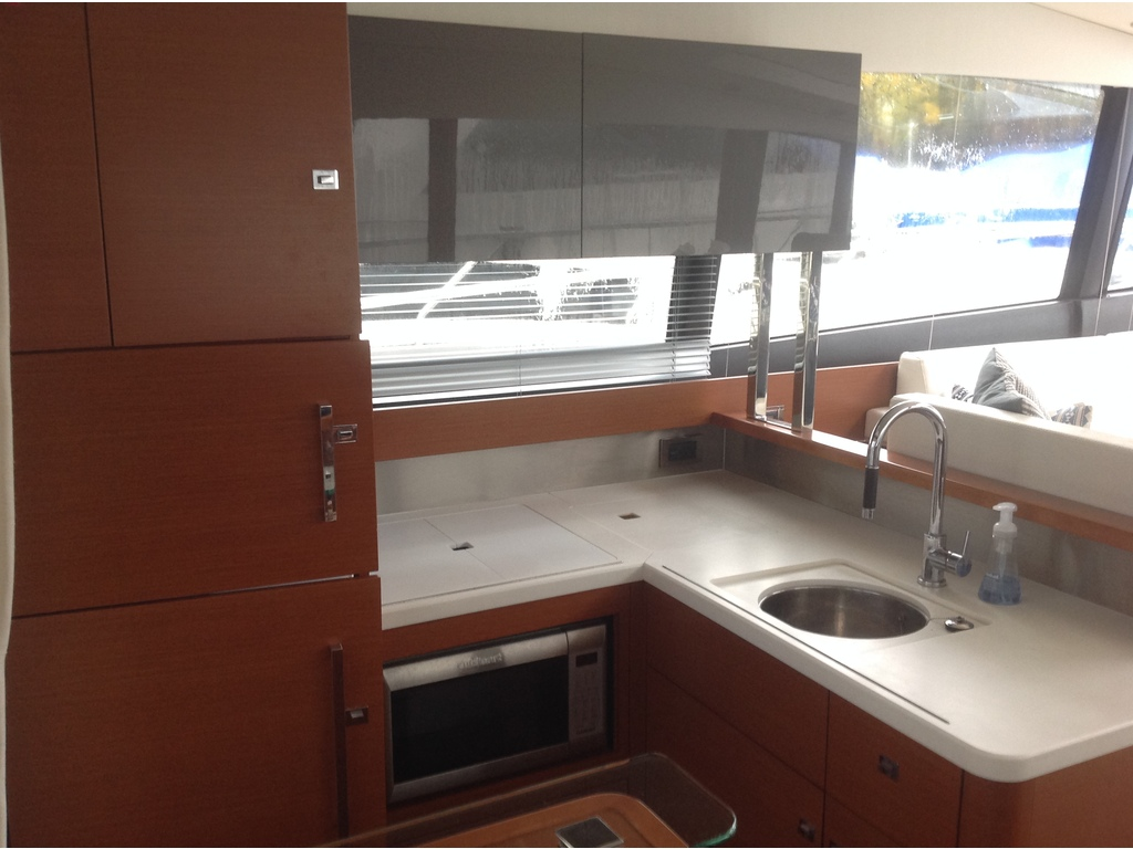 2013 Jeanneau boat for sale, model of the boat is Prestige 500 S & Image # 8 of 26