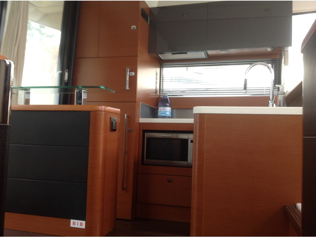 2013 Jeanneau boat for sale, model of the boat is Prestige 500 S & Image # 23 of 26