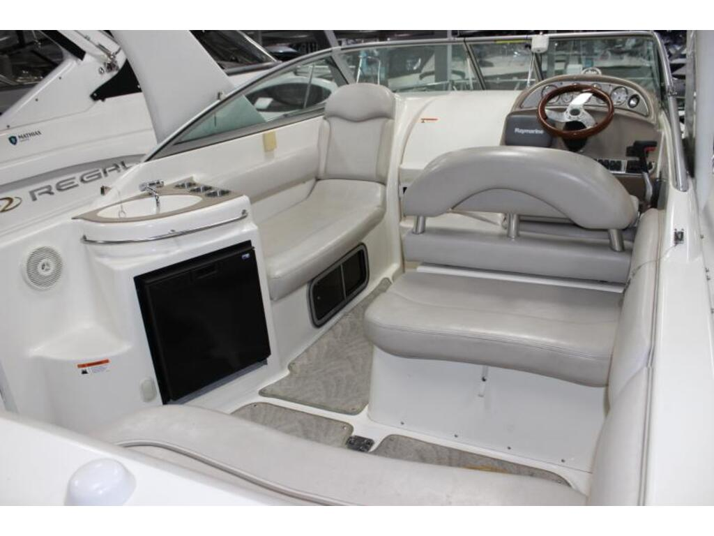 2007 Larson boat for sale, model of the boat is 274 & Image # 3 of 5