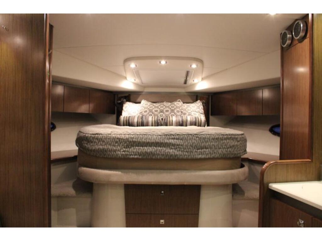2015 Cruisers Yachts boat for sale, model of the boat is Cruiser Yacht 430 Sc 2015 & Image # 6 of 9