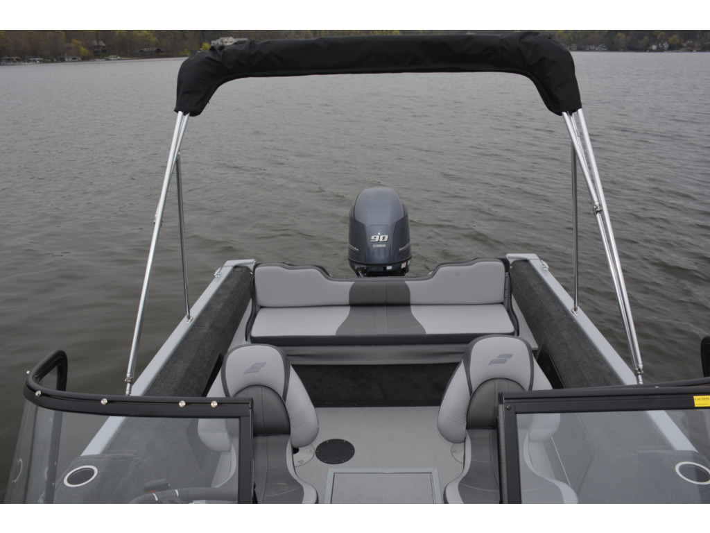 2021 Starcraft boat for sale, model of the boat is Renegade 168 Dc & Image # 3 of 12