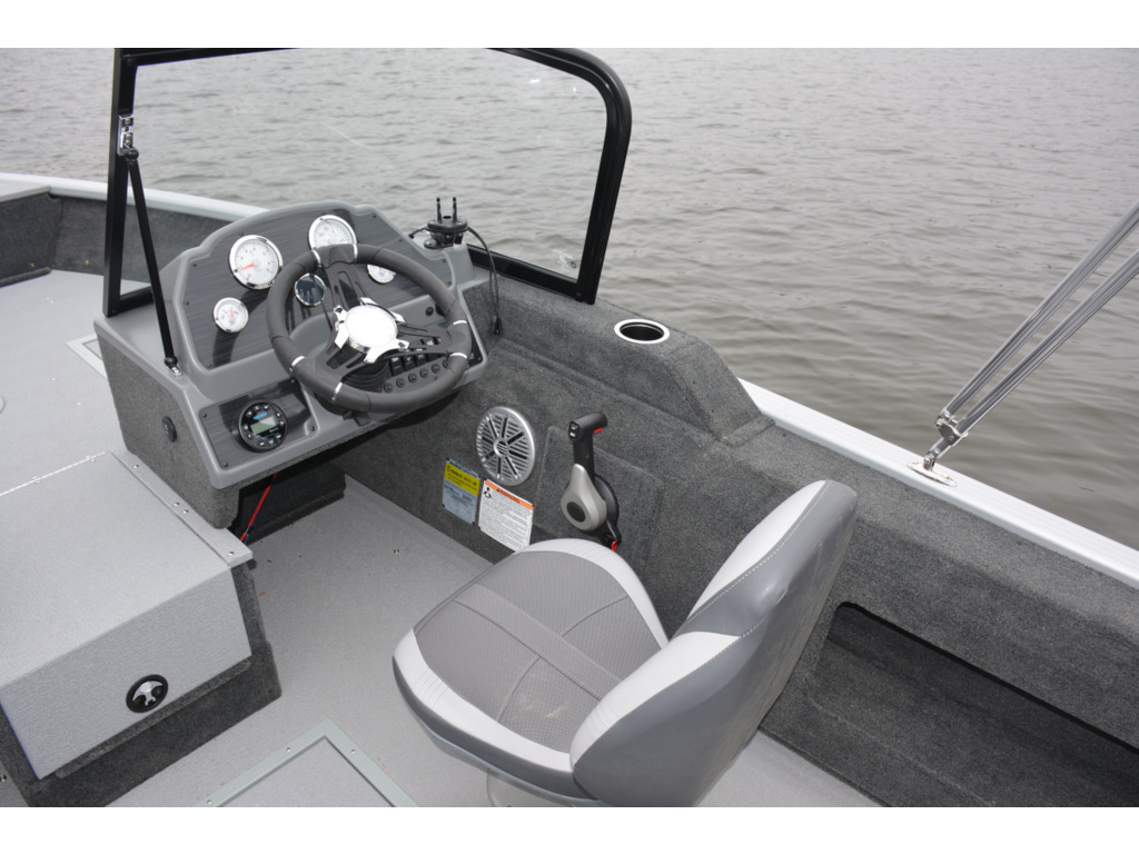 2021 Starcraft boat for sale, model of the boat is Renegade 168 Dc & Image # 4 of 12