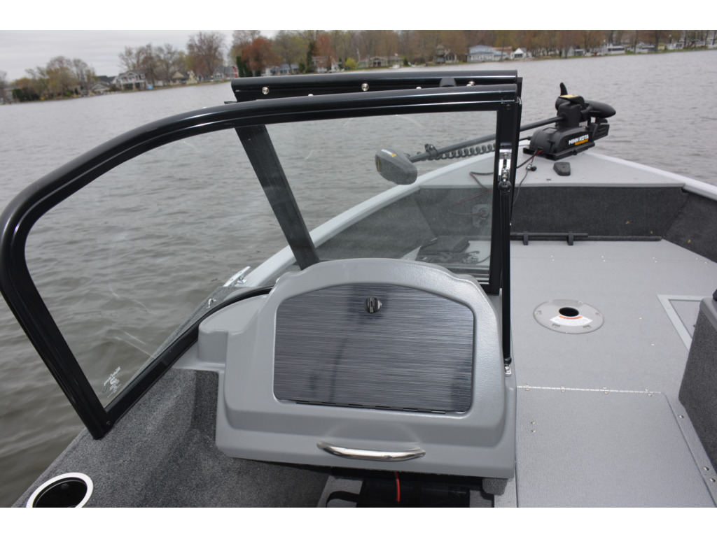 2021 Starcraft boat for sale, model of the boat is Renegade 168 Dc & Image # 5 of 12