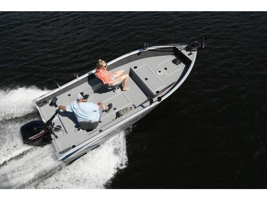 2021 Starcraft boat for sale, model of the boat is Furtif-stealth 166 (barre Franche-tiller) & Image # 2 of 12