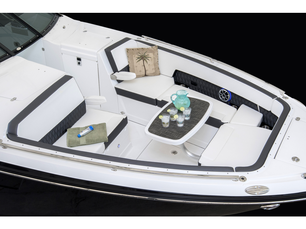 2020 Monterey boat for sale, model of the boat is 385 Ss & Image # 21 of 24
