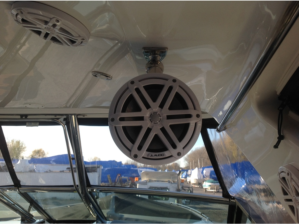 2020 Monterey boat for sale, model of the boat is 385 Ss & Image # 17 of 24