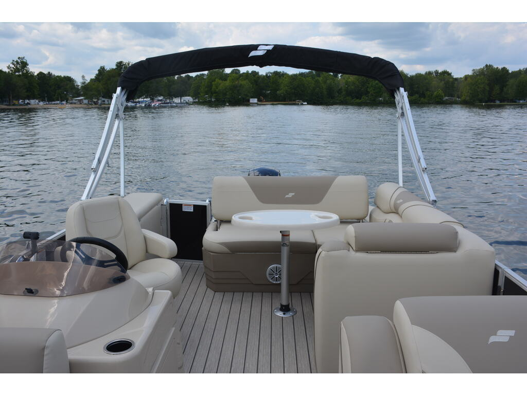 2021 Starcraft boat for sale, model of the boat is Ponton Ex 22 Q & Image # 2 of 9