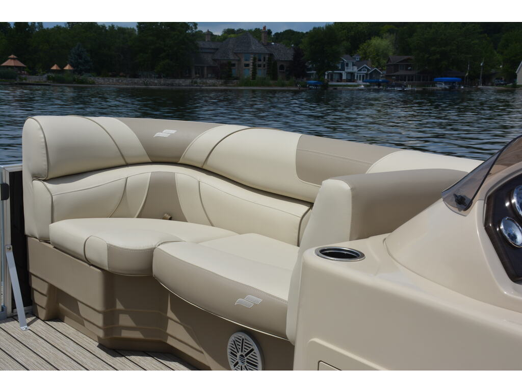 2021 Starcraft boat for sale, model of the boat is Ponton Ex 22 Q & Image # 8 of 9
