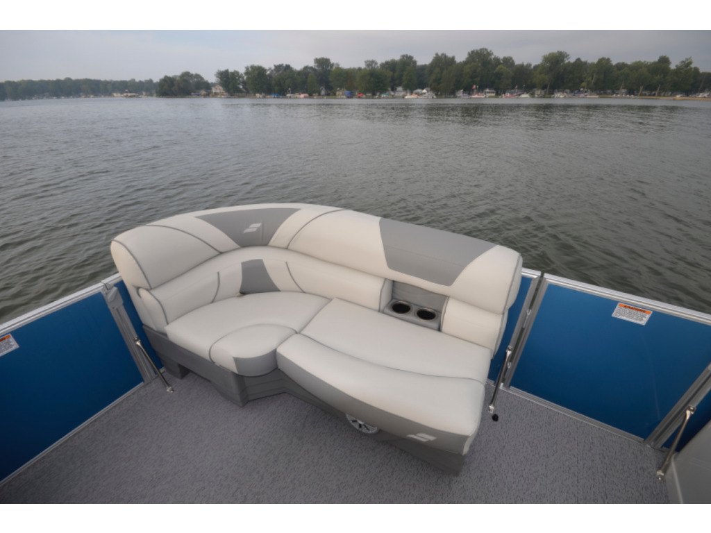 2021 Starcraft boat for sale, model of the boat is Ponton Ex 22 Csg & Image # 4 of 6