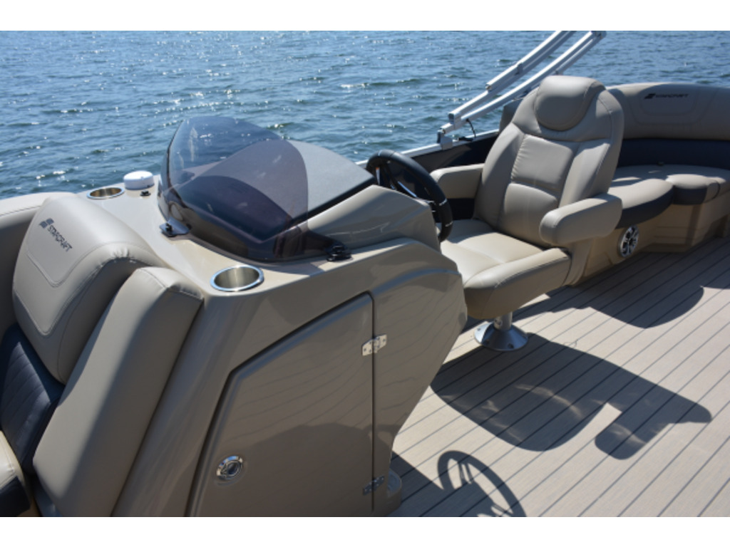 2021 Starcraft boat for sale, model of the boat is Ponton Cx  & Image # 5 of 9