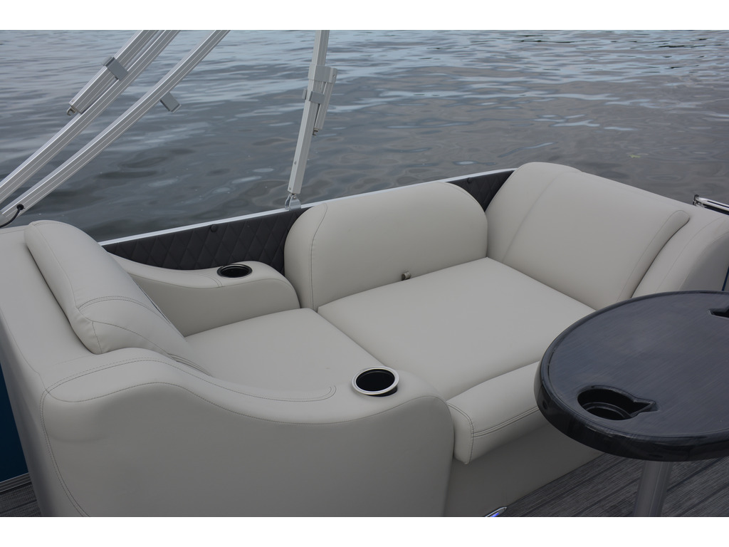 2021 Starcraft boat for sale, model of the boat is Ponton Cx Rl  & Image # 7 of 11