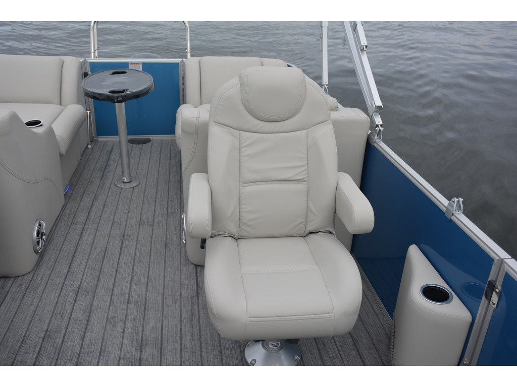 2021 Starcraft boat for sale, model of the boat is Ponton Cx Rl  & Image # 9 of 11