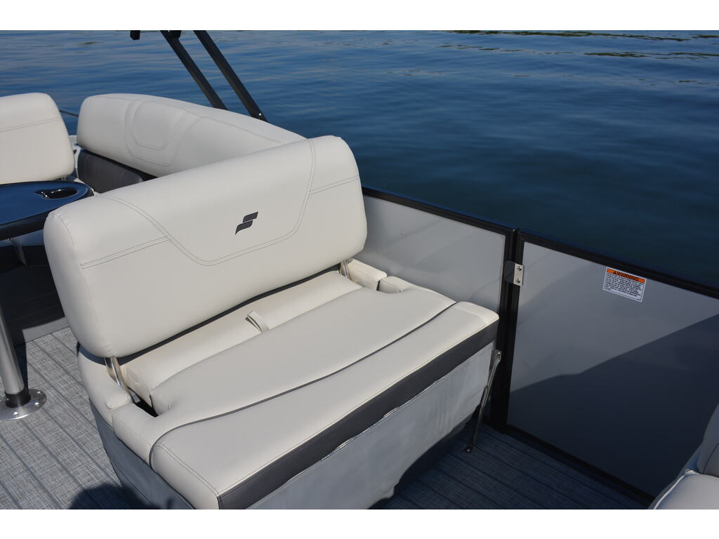 2021 Starcraft boat for sale, model of the boat is Ponton Cx Q & Image # 5 of 11