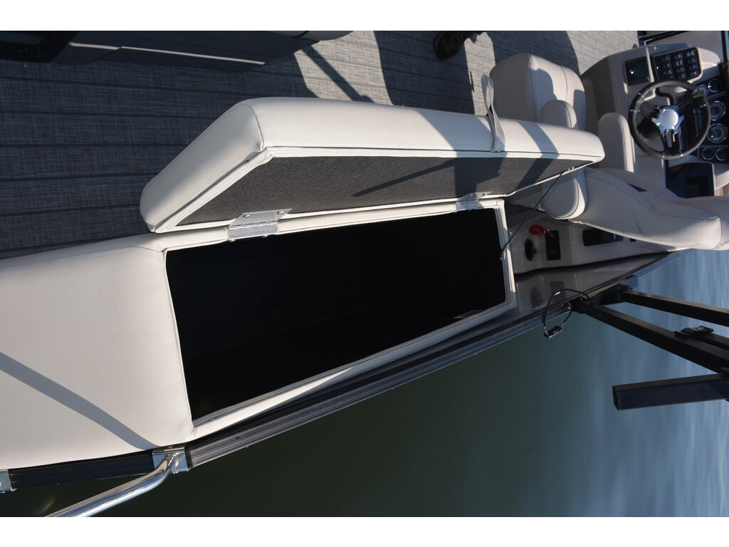 2021 Starcraft boat for sale, model of the boat is Ponton Cx Q & Image # 10 of 11