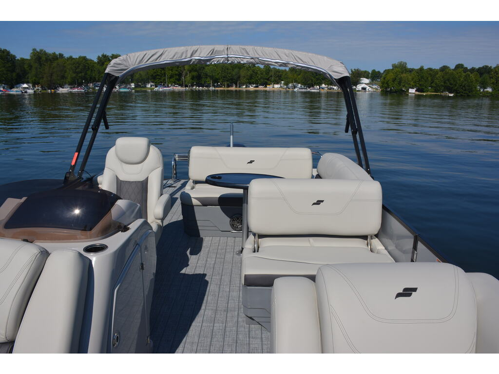 2021 Starcraft boat for sale, model of the boat is Ponton Cx Q & Image # 3 of 11