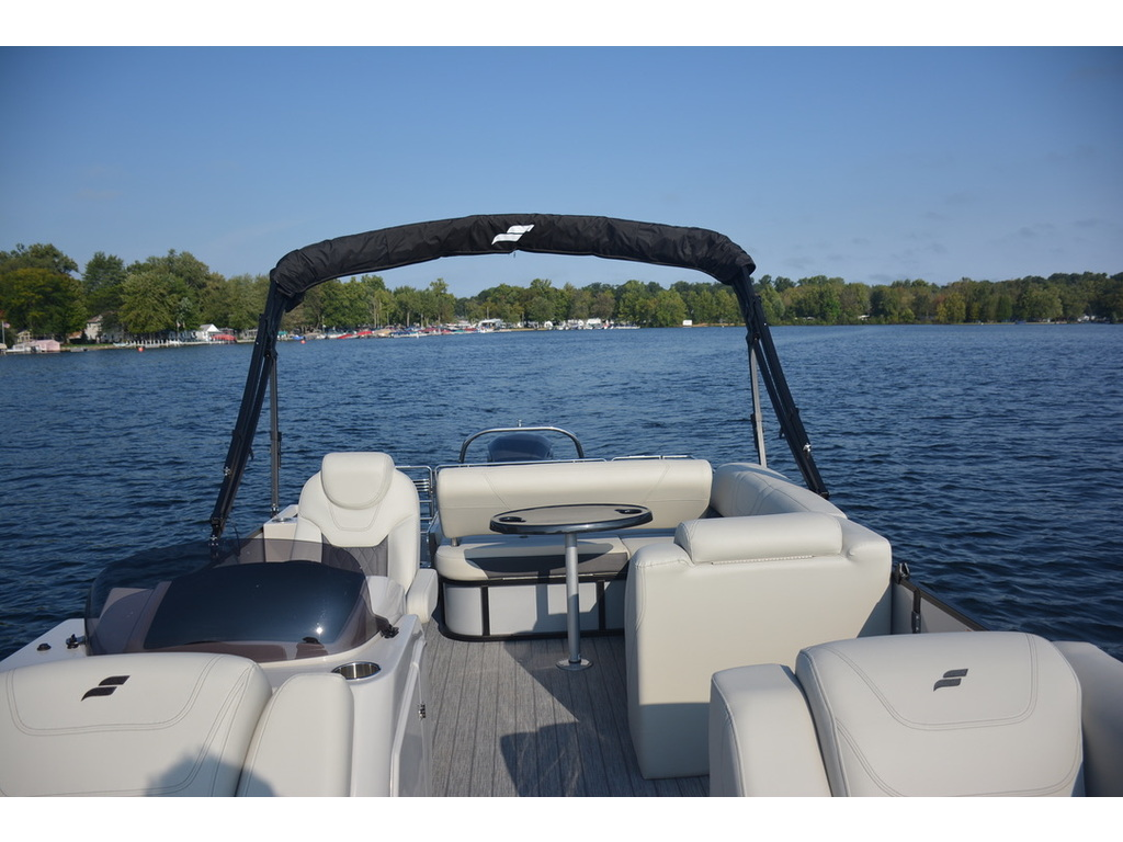 2021 Starcraft boat for sale, model of the boat is Ponton Cx Dl Bar & Image # 2 of 10