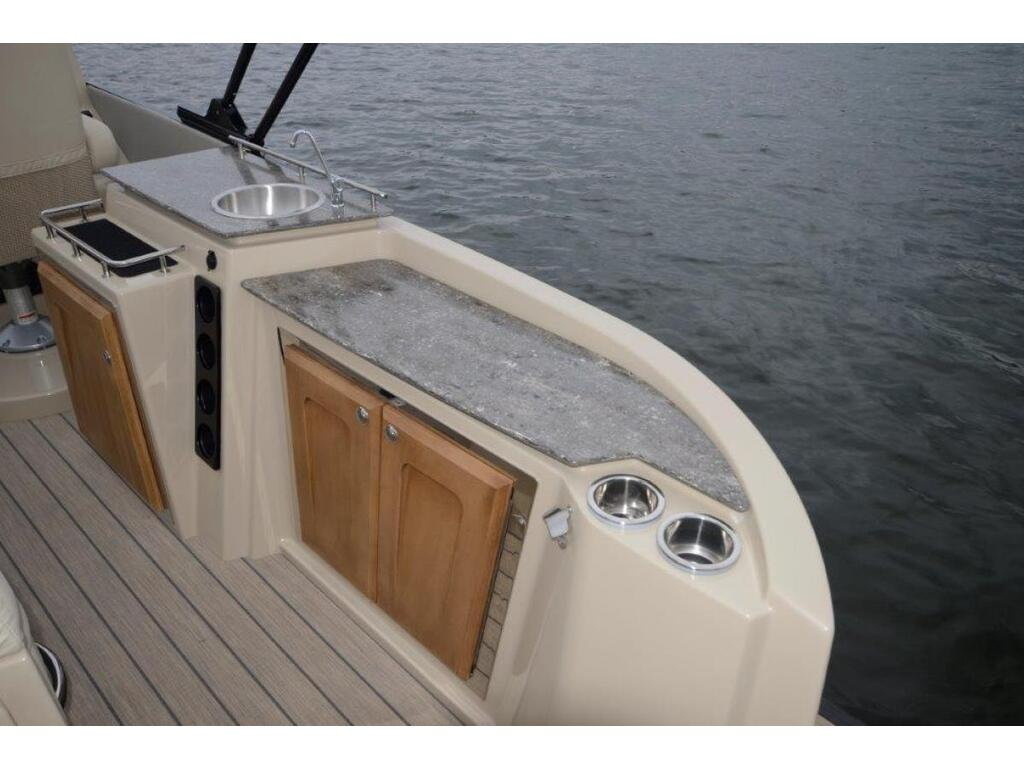 2021 Starcraft boat for sale, model of the boat is Ponton SÉrie Sx & Image # 5 of 15