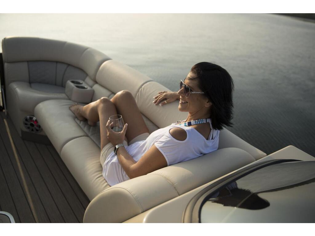 2021 Starcraft boat for sale, model of the boat is Ponton SÉrie Sx & Image # 9 of 15