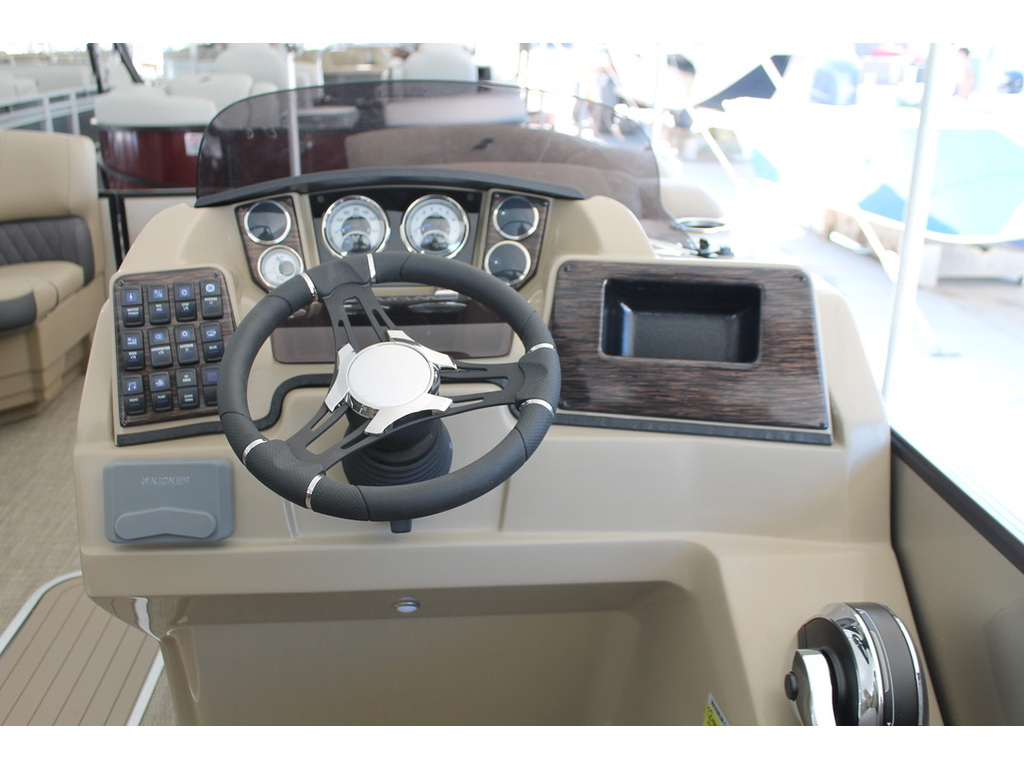 2021 Starcraft boat for sale, model of the boat is Ponton Sls & Image # 15 of 17
