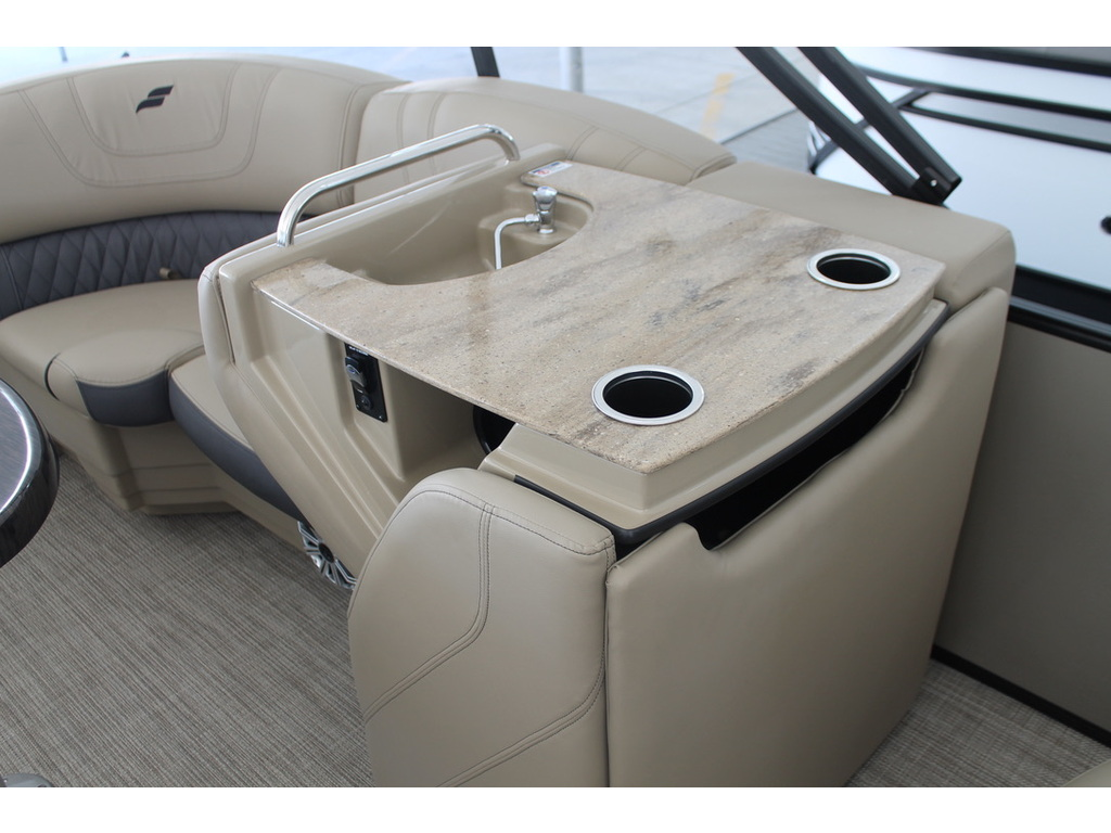 2021 Starcraft boat for sale, model of the boat is Ponton Sls & Image # 13 of 17
