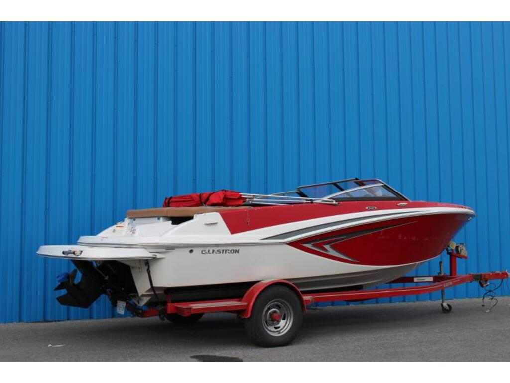 2017 Glastron boat for sale, model of the boat is Gt 205 & Image # 2 of 7