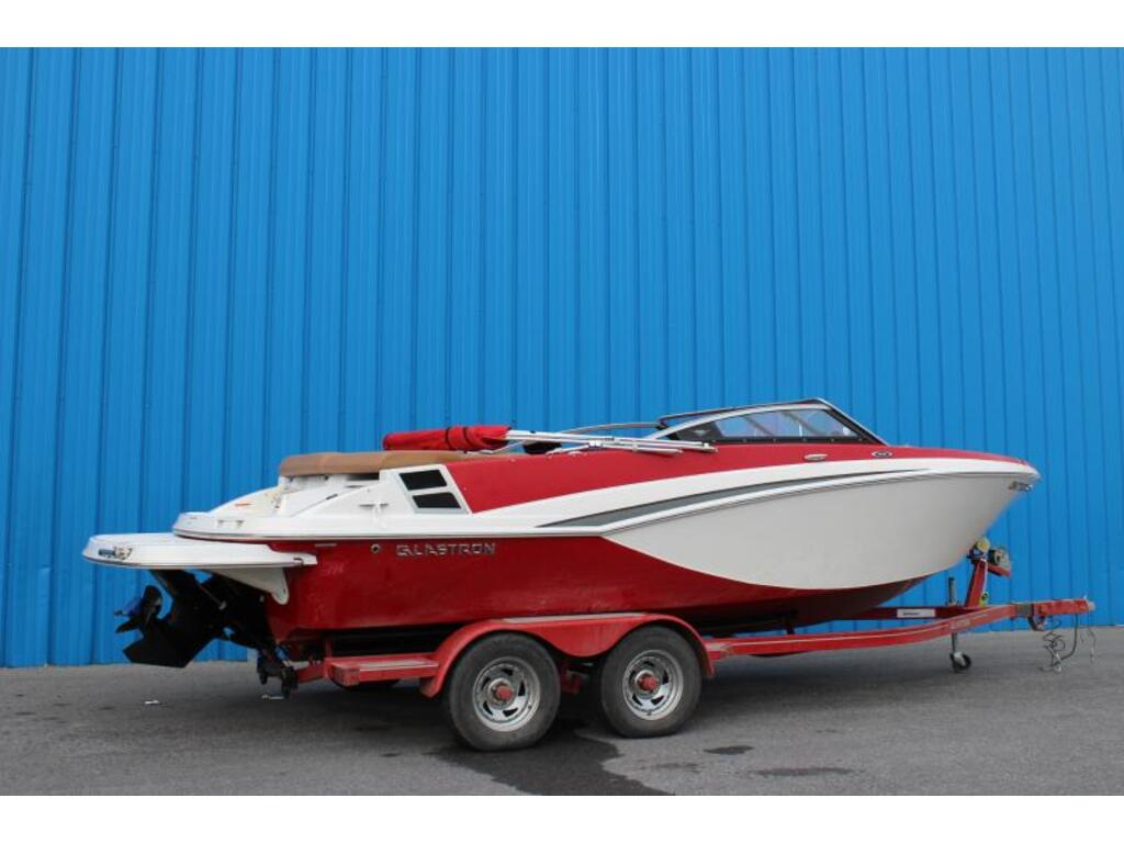 2017 Glastron boat for sale, model of the boat is Gt 225 & Image # 2 of 7