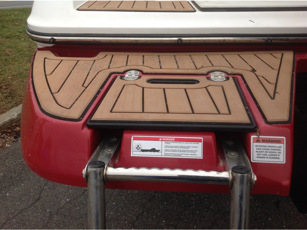 2019 Rinker boat for sale, model of the boat is Q5 & Image # 8 of 8