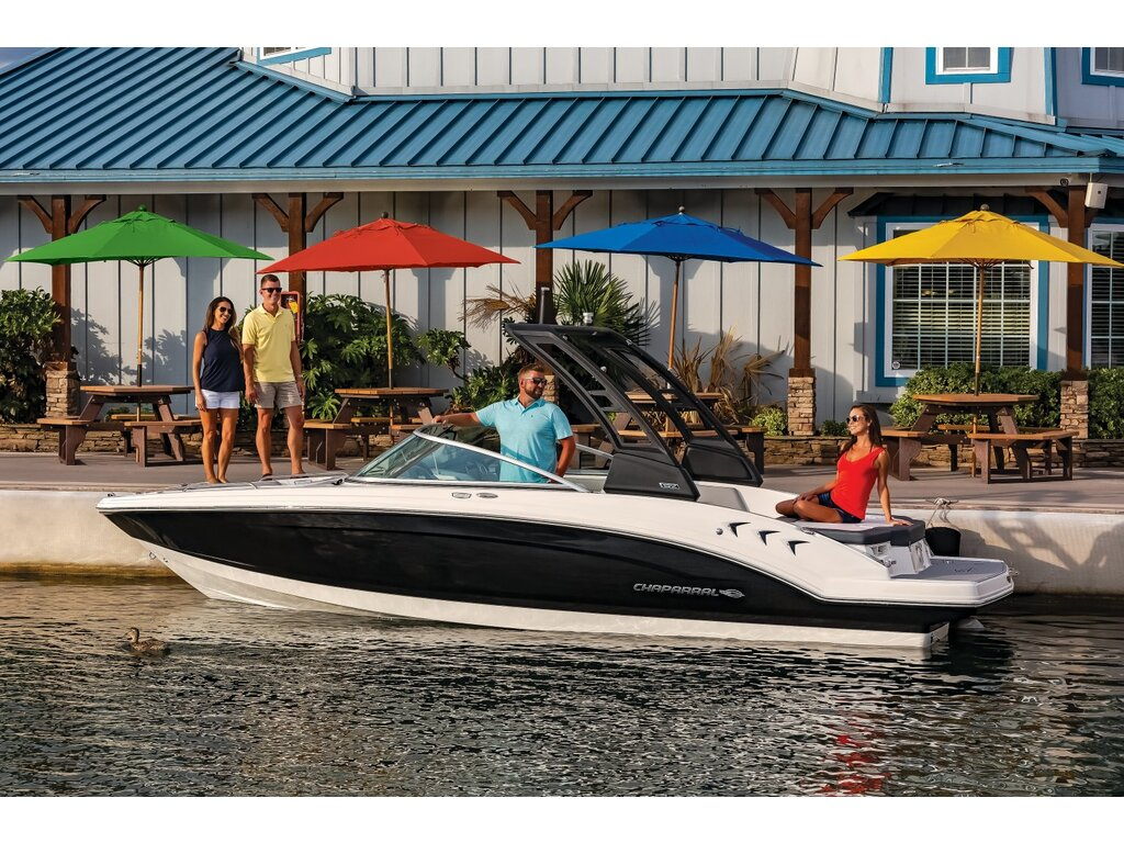 2021 Chaparral boat for sale, model of the boat is 23 Ssi  & Image # 2 of 8