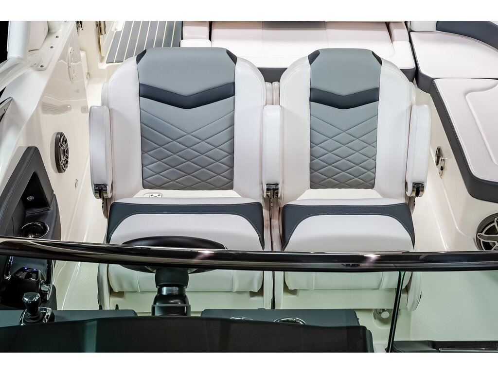 2021 Chaparral boat for sale, model of the boat is 280 Osx O/b & Image # 13 of 18