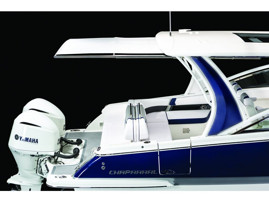 2021 Chaparral boat for sale, model of the boat is 300 Osx O/b & Image # 4 of 22