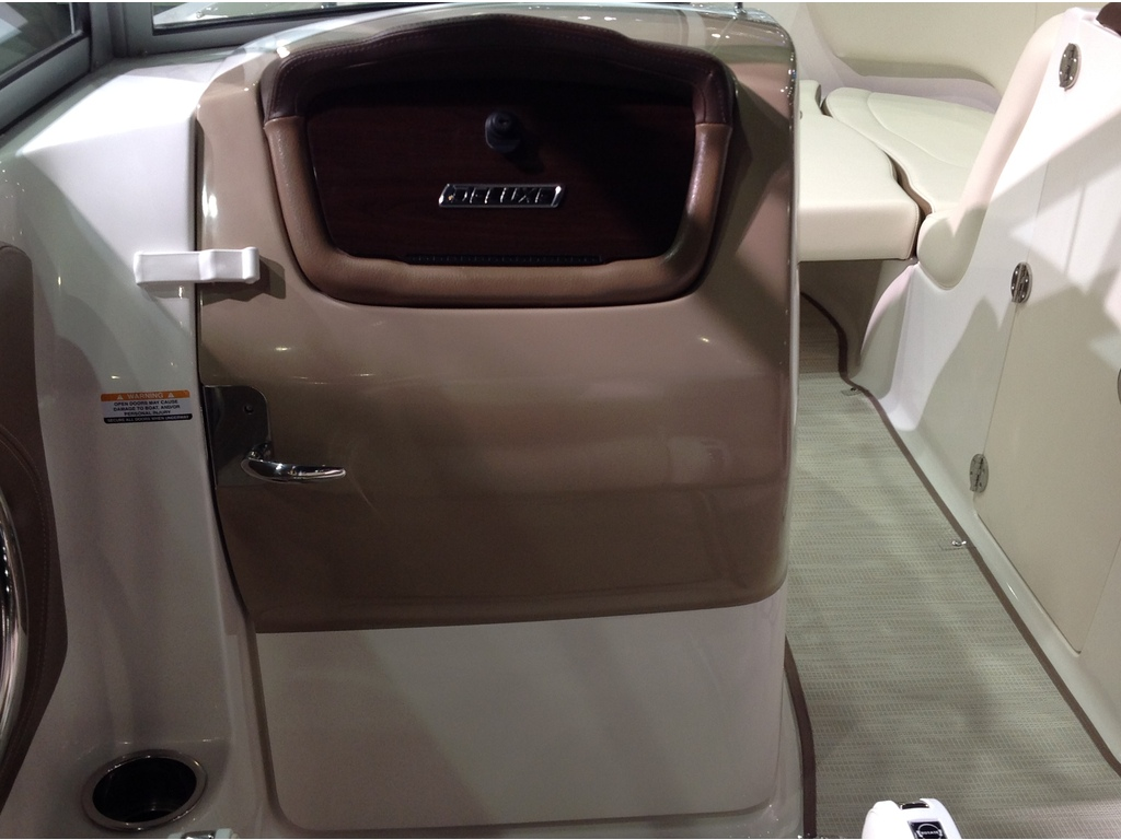 2018 Chaparral boat for sale, model of the boat is Sunesta 224 & Image # 3 of 9