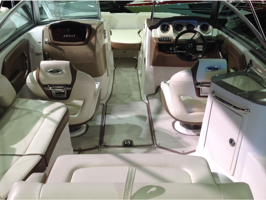2018 Chaparral boat for sale, model of the boat is Sunesta 224 & Image # 4 of 9