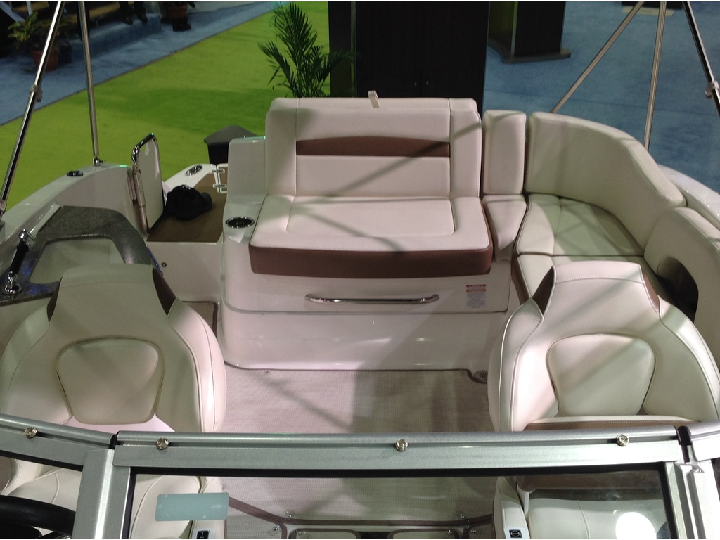 2018 Chaparral boat for sale, model of the boat is Sunesta 224 & Image # 7 of 9