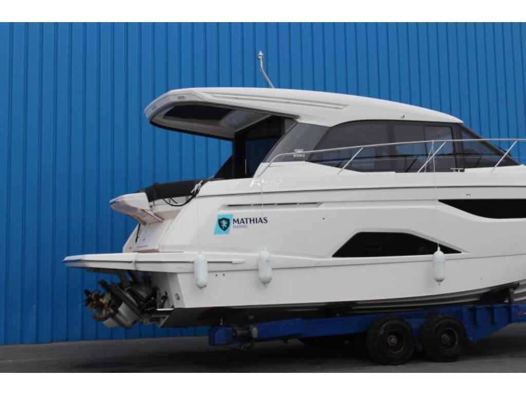2021 Bavaria boat for sale, model of the boat is R40 Coupe Volvo D6-380 & Image # 2 of 10