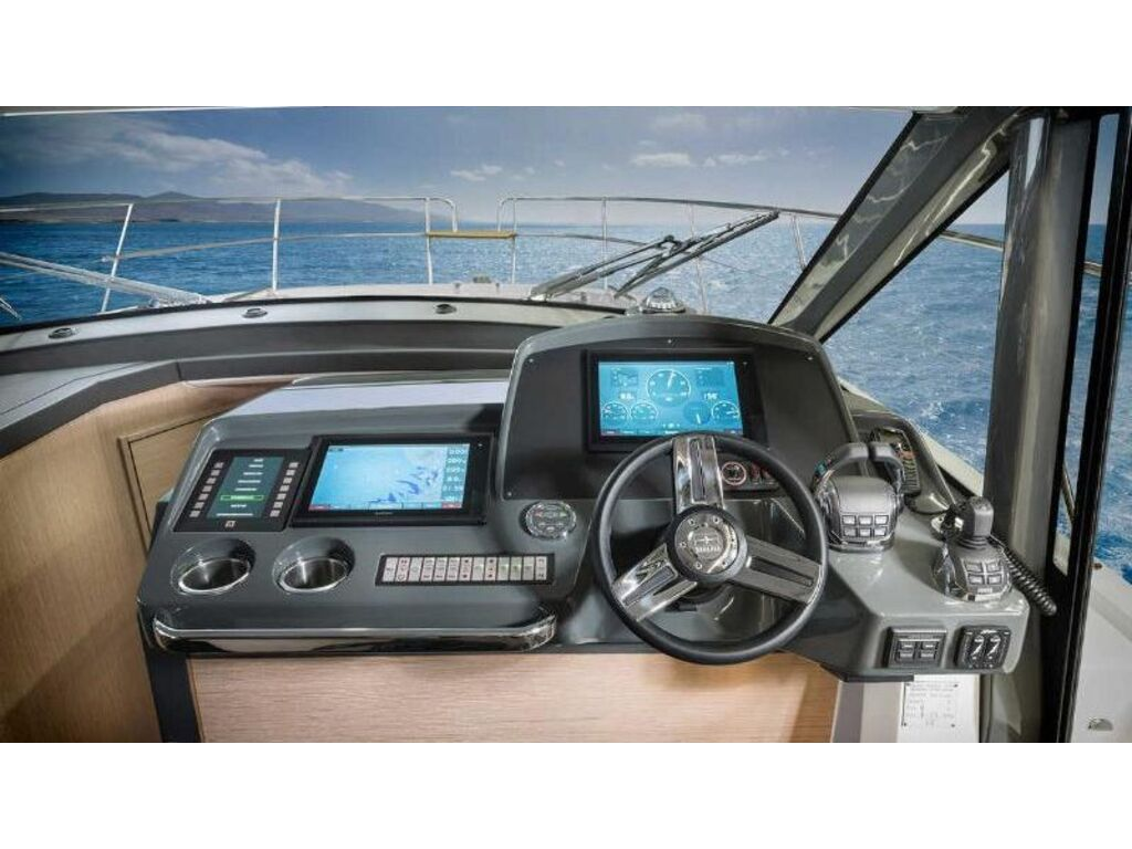 2021 Bavaria boat for sale, model of the boat is R40 Coupe Volvo D6-380 & Image # 7 of 10