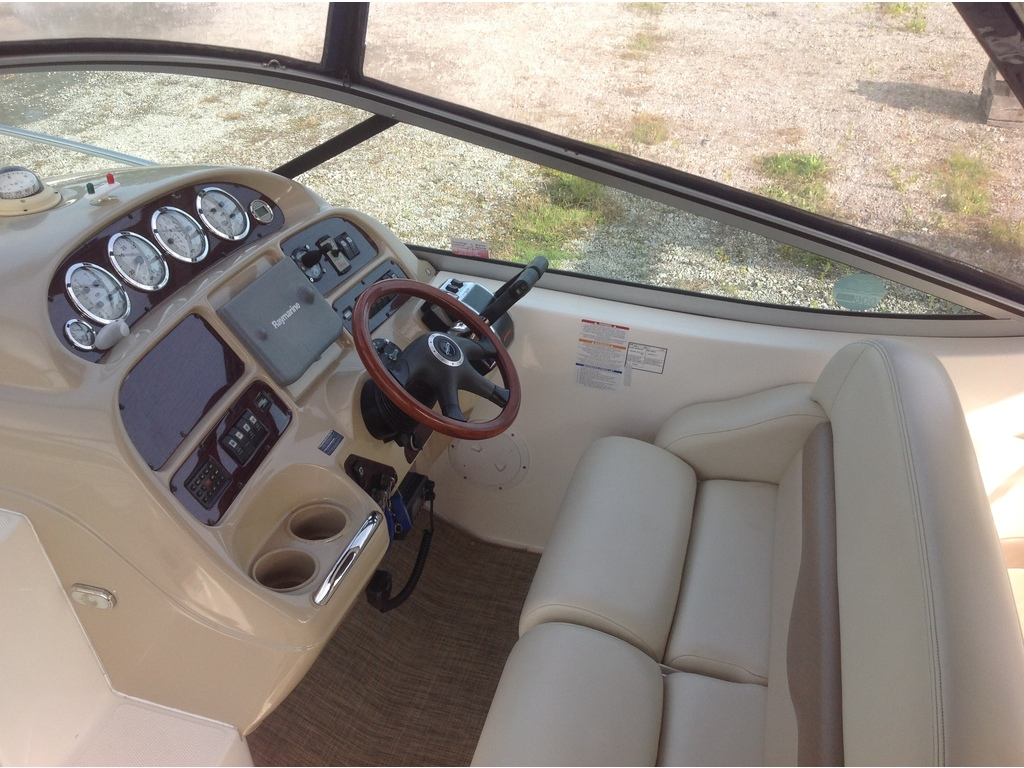2004 Chaparral boat for sale, model of the boat is Signature 310 & Image # 7 of 16