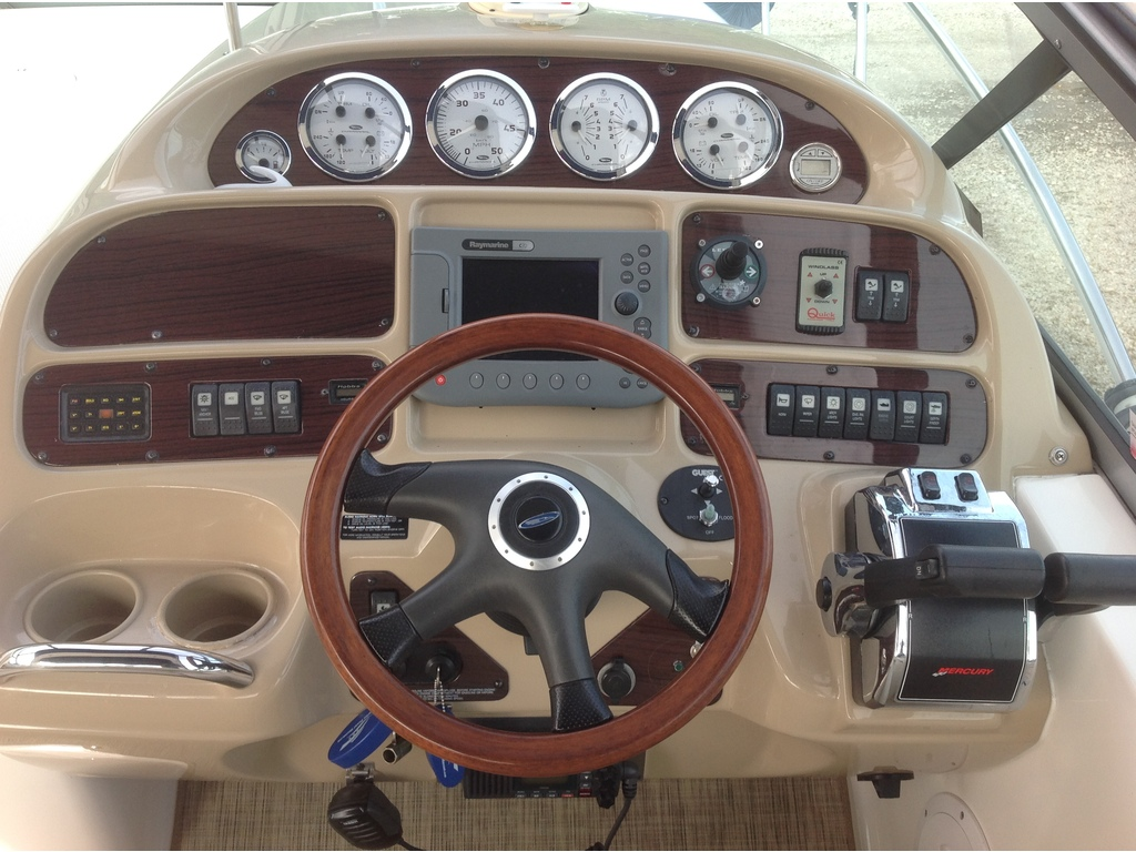 2004 Chaparral boat for sale, model of the boat is Signature 310 & Image # 8 of 16